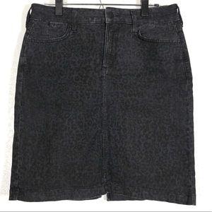 NYDJ Black Leopard print denim skirt size 8P